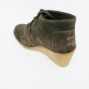 21297c2dd177e Toms Womens Desert Wedge Olive Suede Crepe Heels NWT